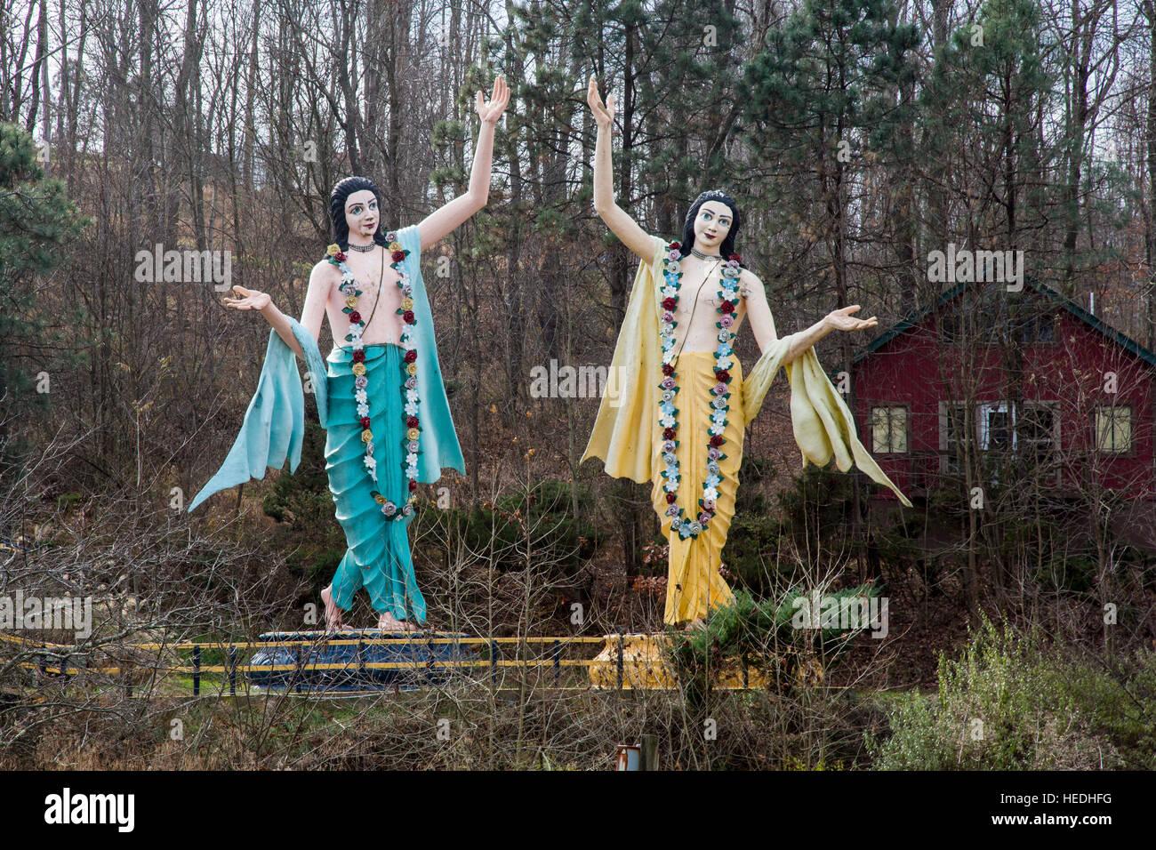 New Vrindaban, West Virginia - Statues of Sri Sri Gaura Nitai, two Hindu deities, at New Vrindaban, a spiritual - Stock Image