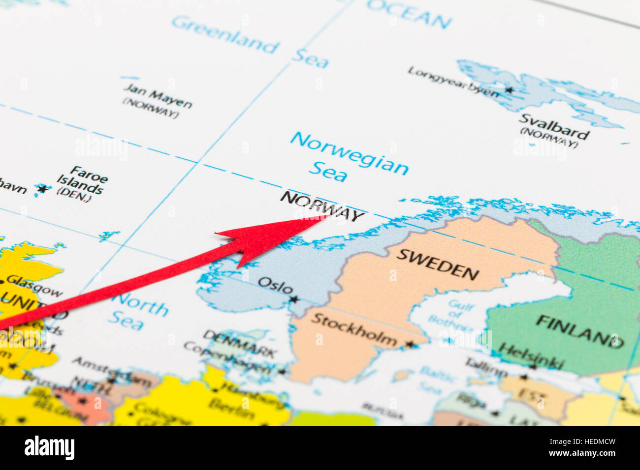 Norway On Europe Map.Red Arrow Pointing Norway On The Map Of Europe Continent Stock Photo
