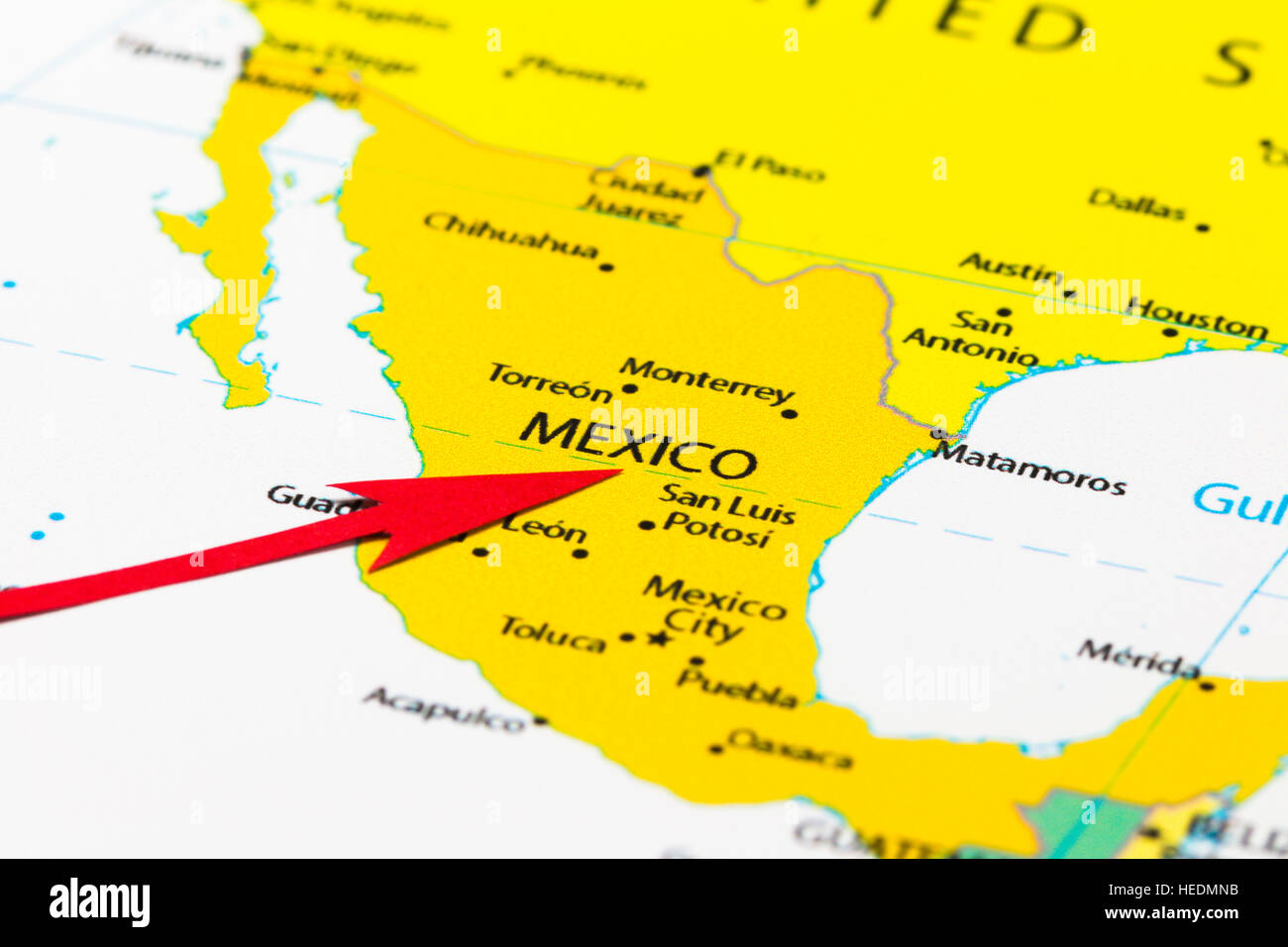 Red arrow pointing Mexico on the map of central America ...
