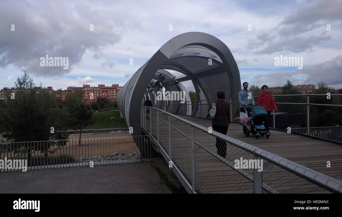 Madrid río, bridge over the river Manzanares Stock Photo