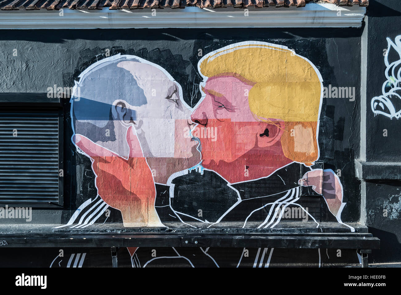 Picture of Vladimir Putin and Donald Trump kissing - Stock Image