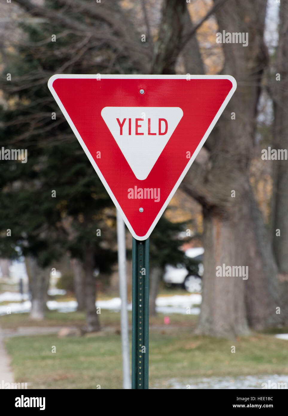 Yield street sign - Stock Image