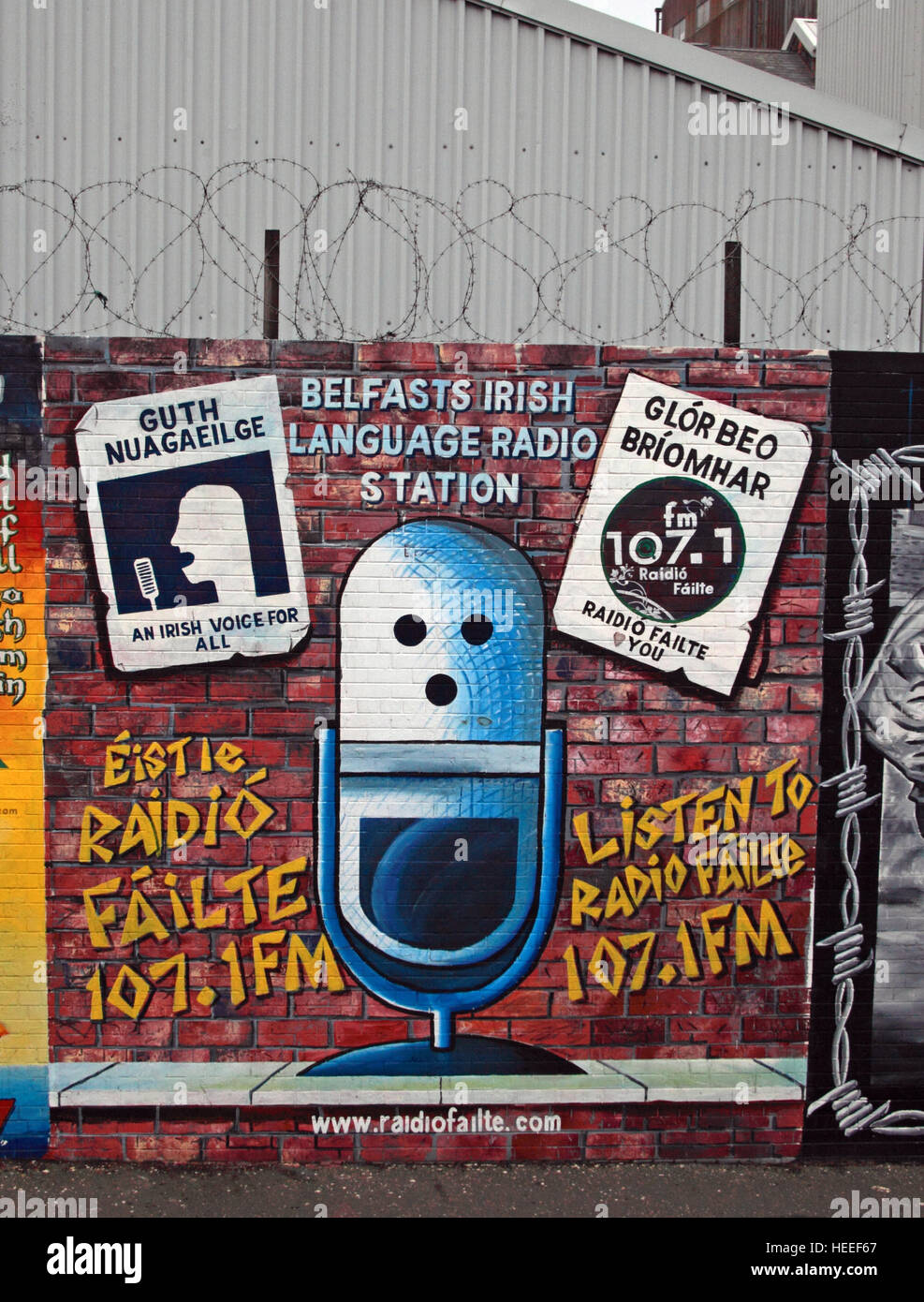 Belfast Falls Rd Republican Mural - radio Guth Nuagaeil,Irish voice for all Radio Failte - Stock Image