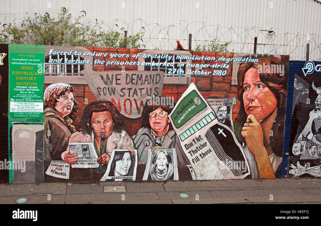 Belfast Falls Rd Republican Mural- We demand POW status, Hunger Strike 27th October 1980 - Stock Image