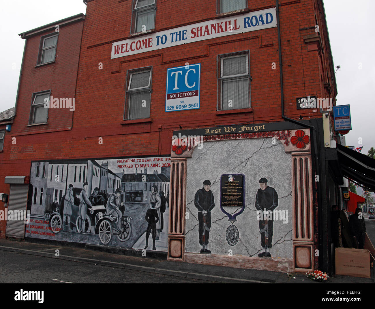 Belfast Unionist, Loyalist Mural & Welcome to the Shankill Road - Stock Image