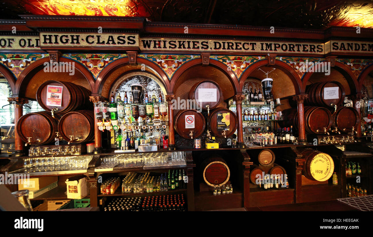 Interior counter of Famous Crown Bar,Gt Victoria St,Belfast - Stock Image