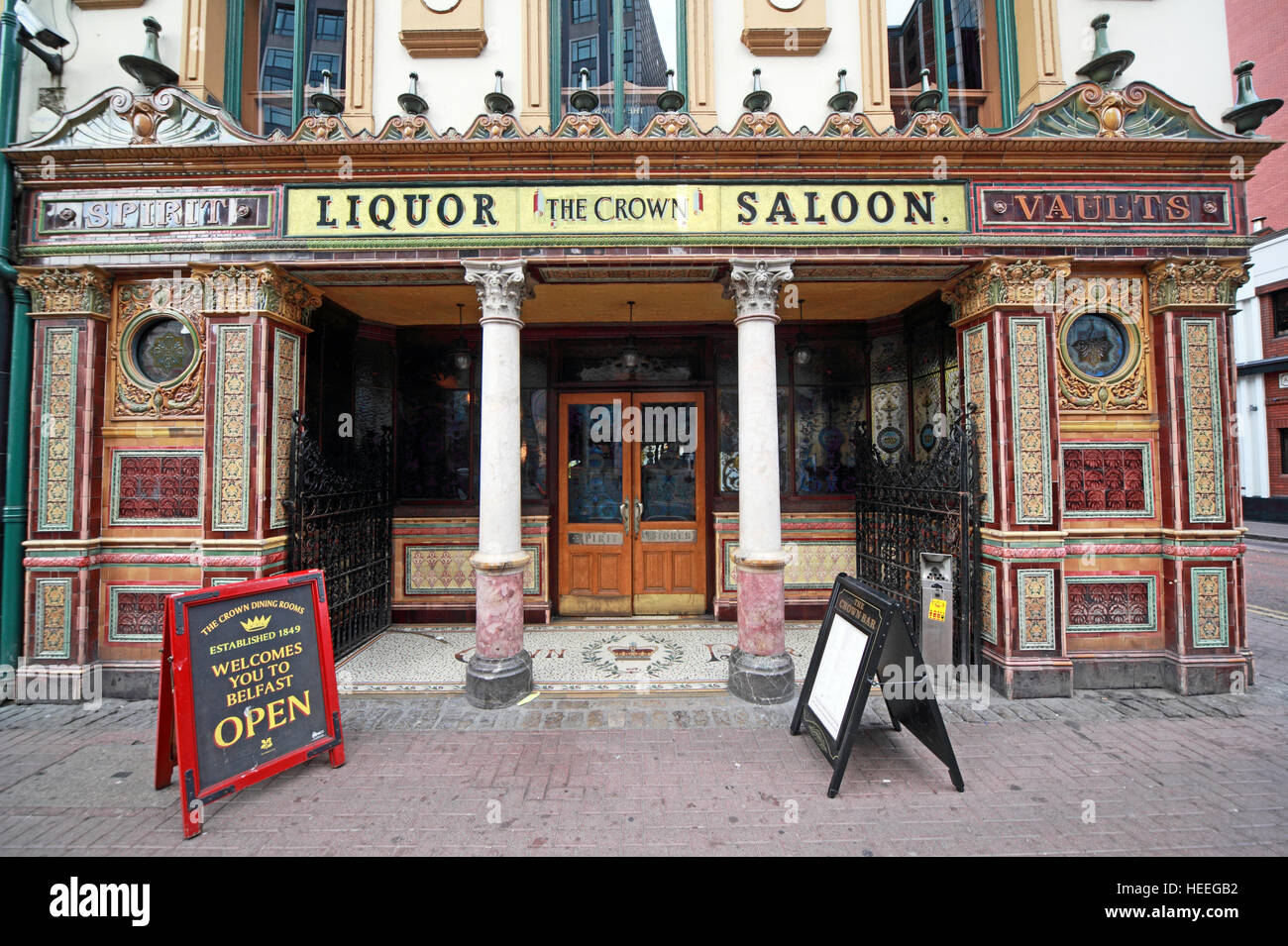 Famous Crown Bar,Gt Victoria St,Belfast exterior, Northern Ireland, UK - Stock Image