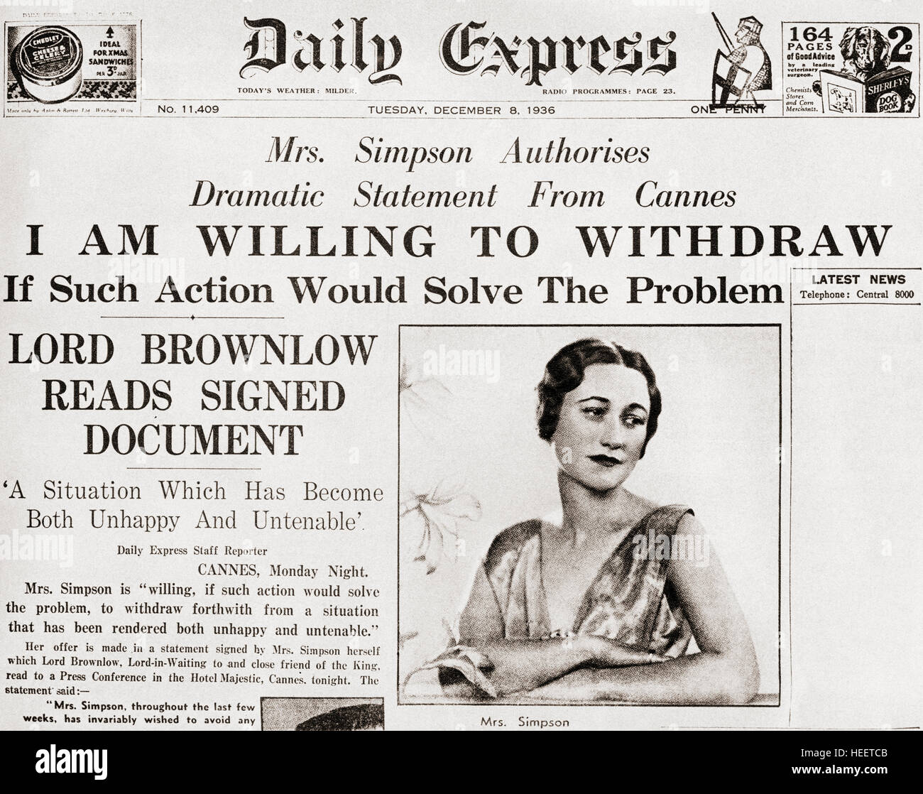 Front page story from The Daily Express of December 8th, 1936 issuing a statement from Mrs. Simpson offering to - Stock Image