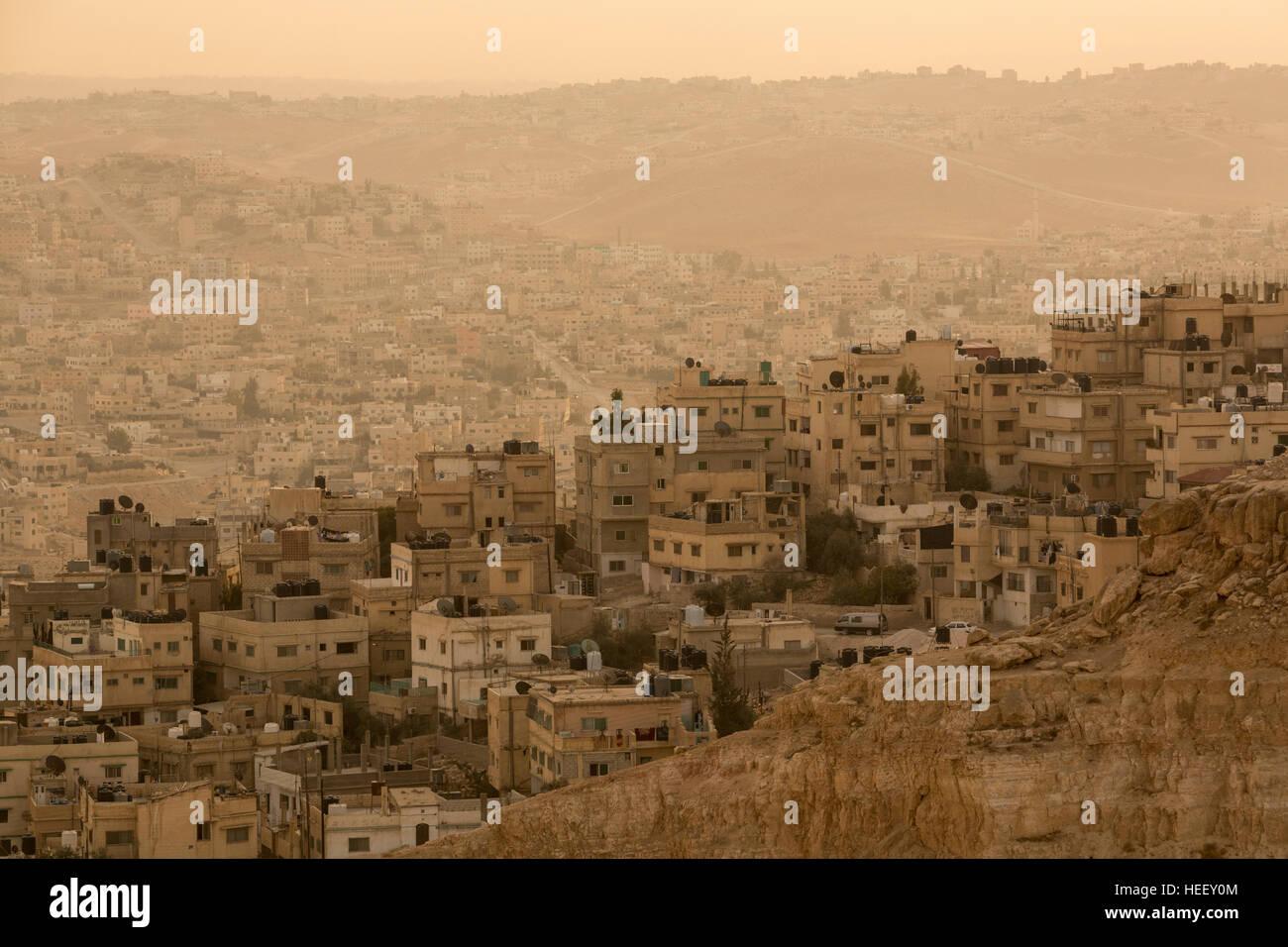 City scene in sprawling Zarqa, Jordan. - Stock Image