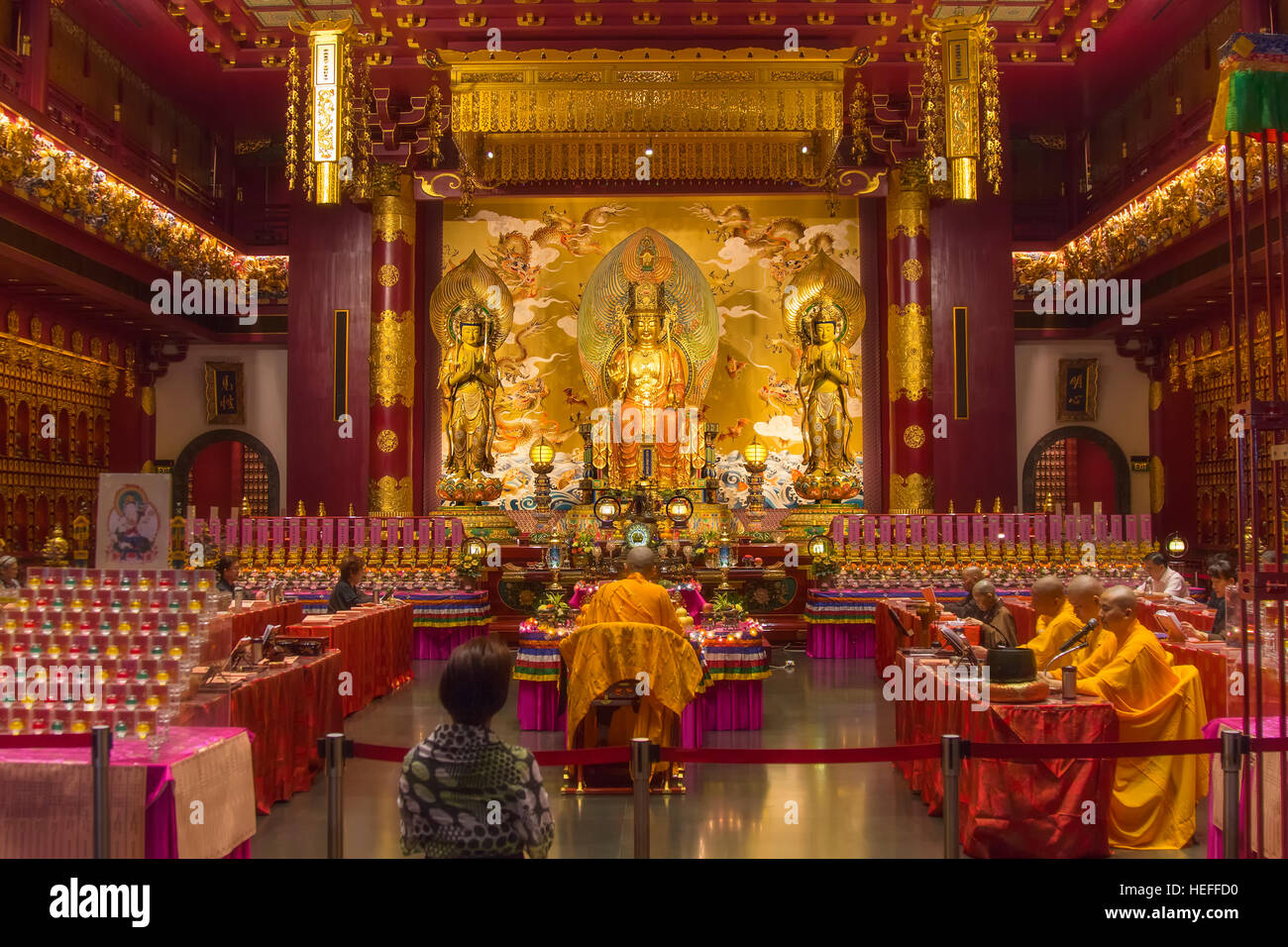Interior of the Buddha Tooth Relic temple in Chinatown, Singapore - Stock Image