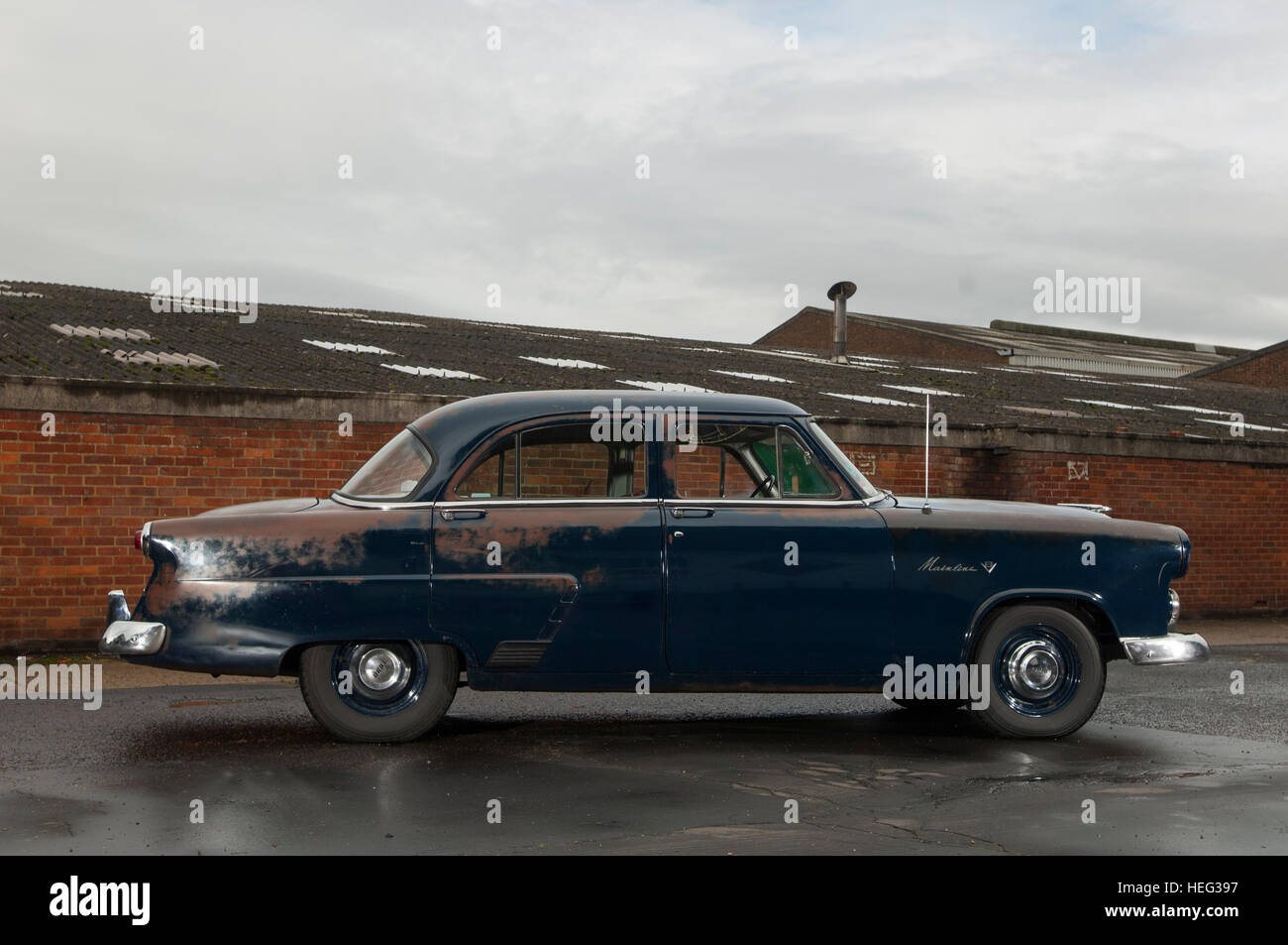 1952 Ford Mainline American sun bleach patina'd classic car, also known as a Shoebox Ford - Stock Image