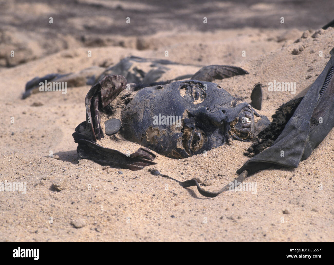 Head of dead Iraqi soldier at the end of Gulf War, Kuwait desert. Kuwait - Stock Image