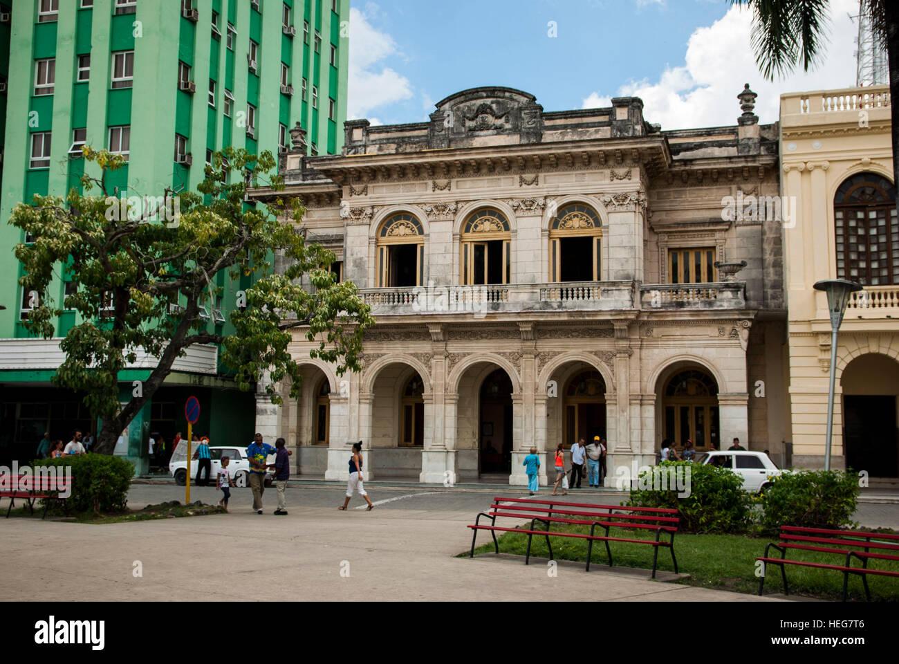 Haus im Kolonialstil am Parque Vidal, Santa Clara, Kuba Stock Photo