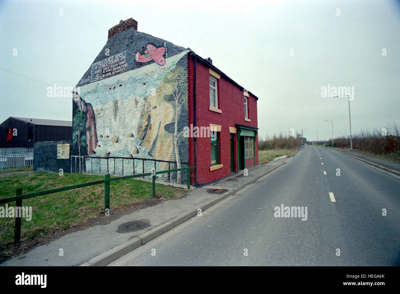 AJAXNETPHOTO. 1987. HEBBURN-ON-TYNE, ENGLAND. - PATRICK'S PLACE - ON WAGONWAY ROAD NEAR PALMER'S OLD SHIPBUILDING - Stock Image