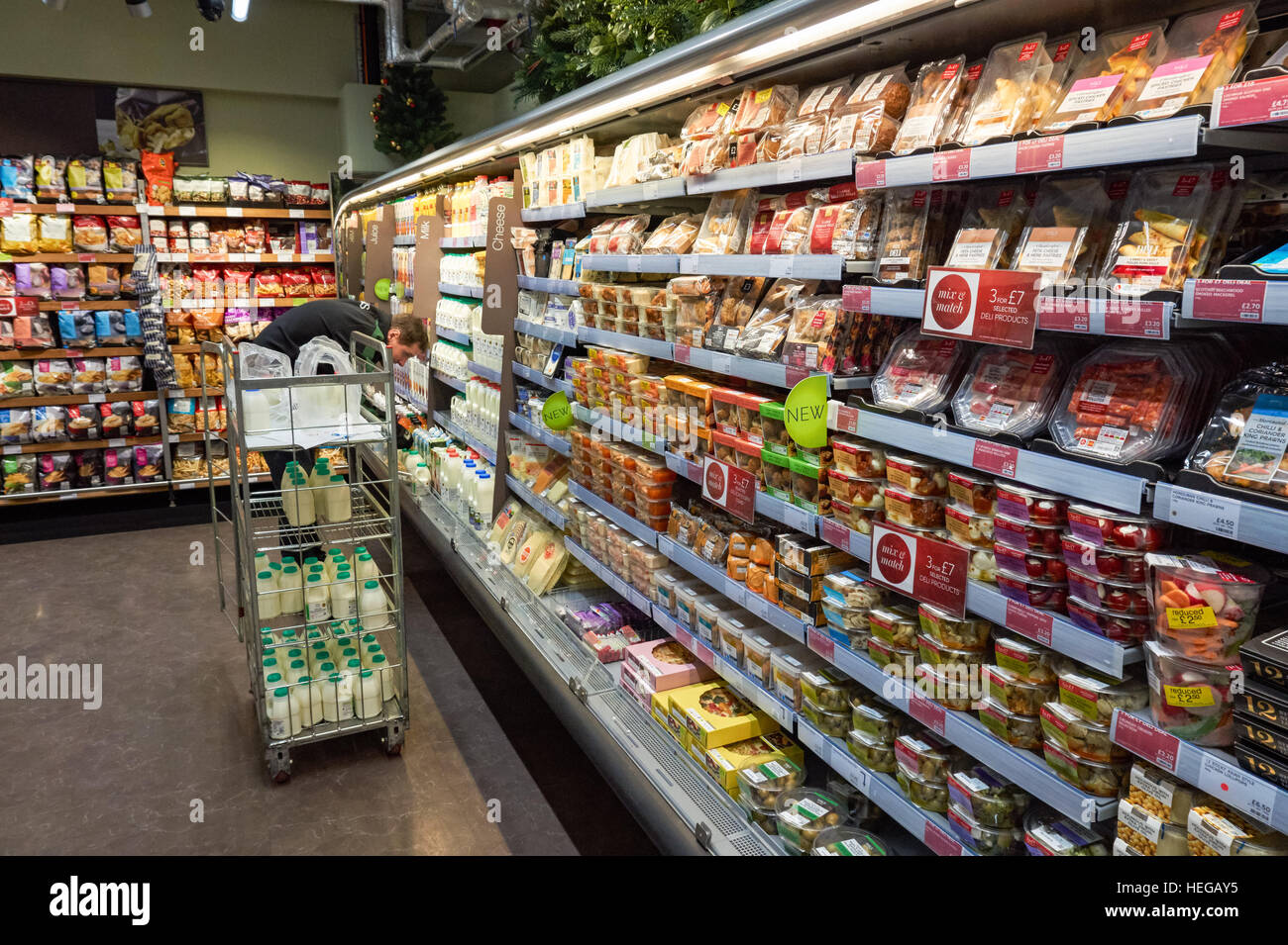 marks and spencers 12 reviews of marks and spencer if you're passing through paddington station you might need a snack (especially if you poorly timed your trip, the trains are running late, or both are happening to you at the same time) but the food court area.