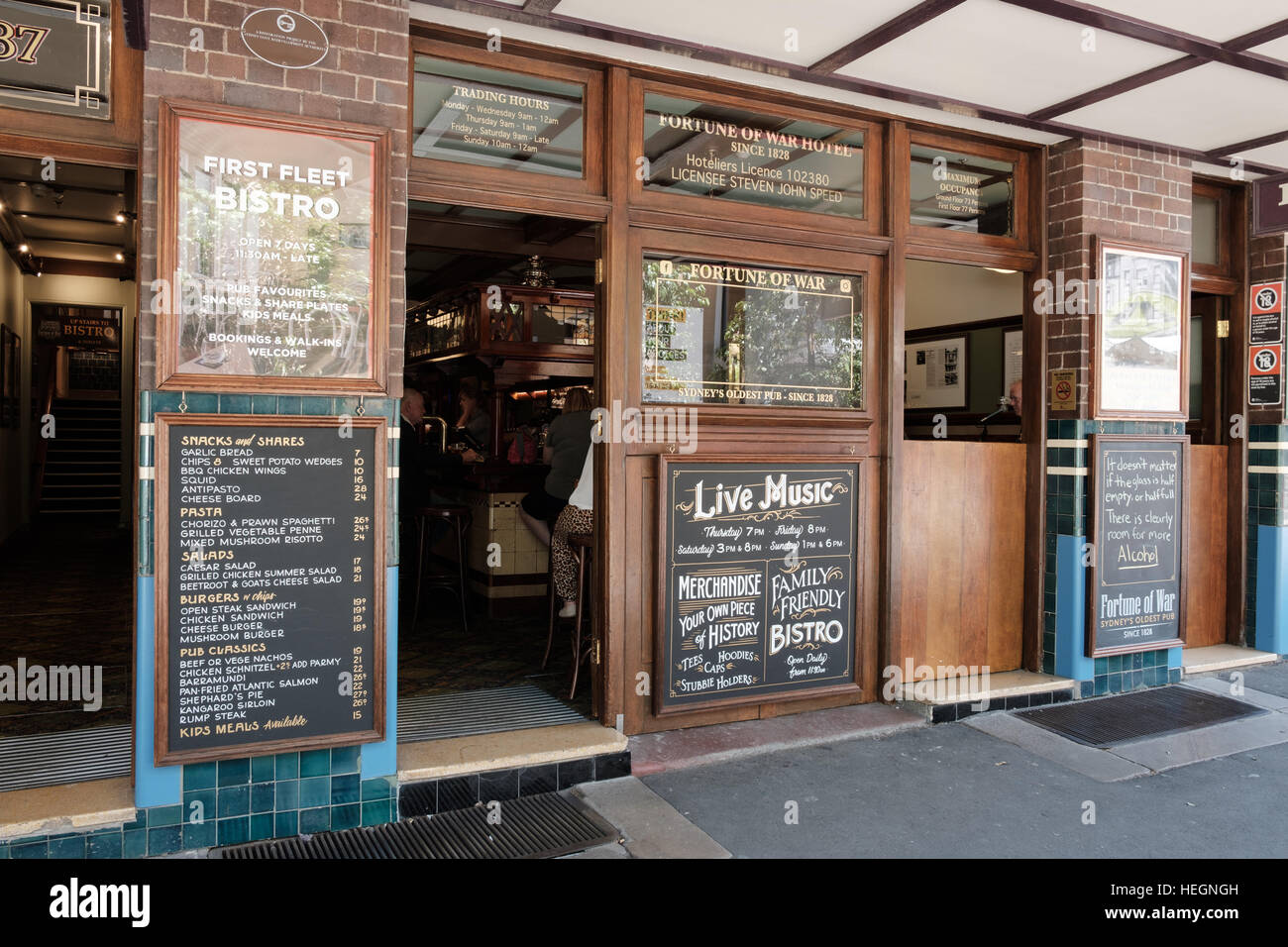 Close view of the Fortune of War pub, the rocks Sydney New South Wales Australia, the Oldest pub in Sydney. - Stock Image