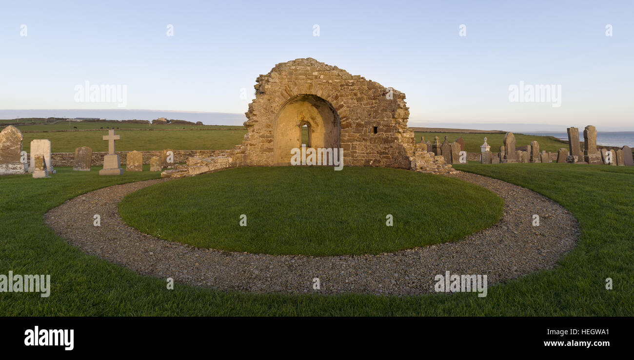 Ruined Norse church, Orkney Isles - Stock Image