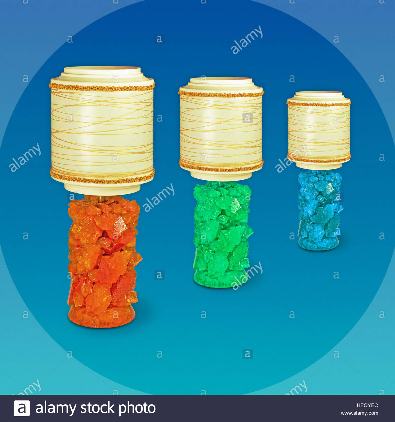 Crushed ice Lamp Retro atomic space age lighting shades illuminated studio lava Shattaline - Stock Image