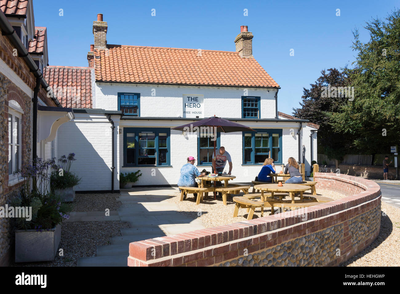 Outdoor terrace at The Hero Pub, Wells Road, Burnham Overy Staithe, Norfolk, England, United Kingdom - Stock Image