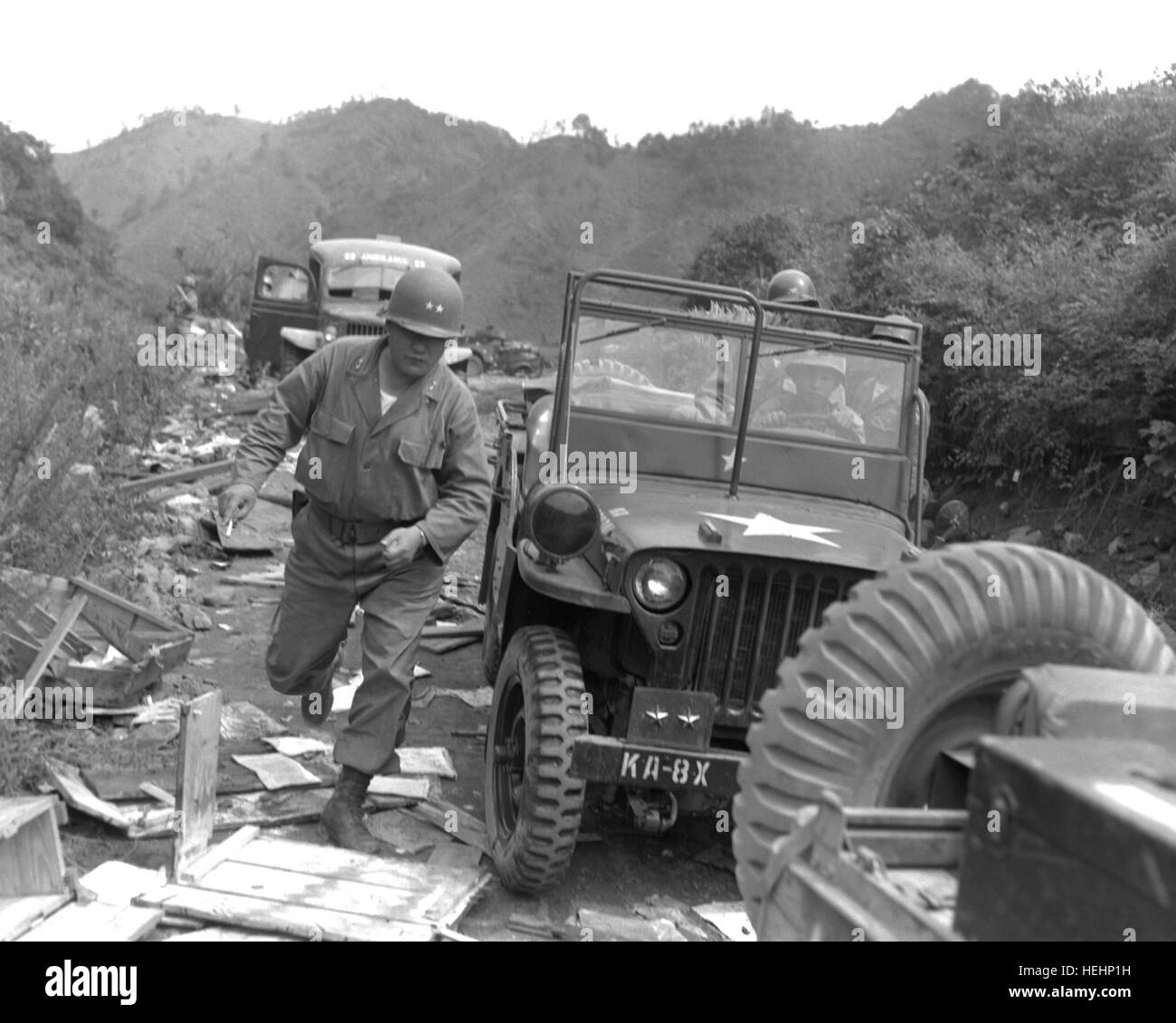 Mortar squad stock photos mortar squad stock images alamy - Div in div position ...