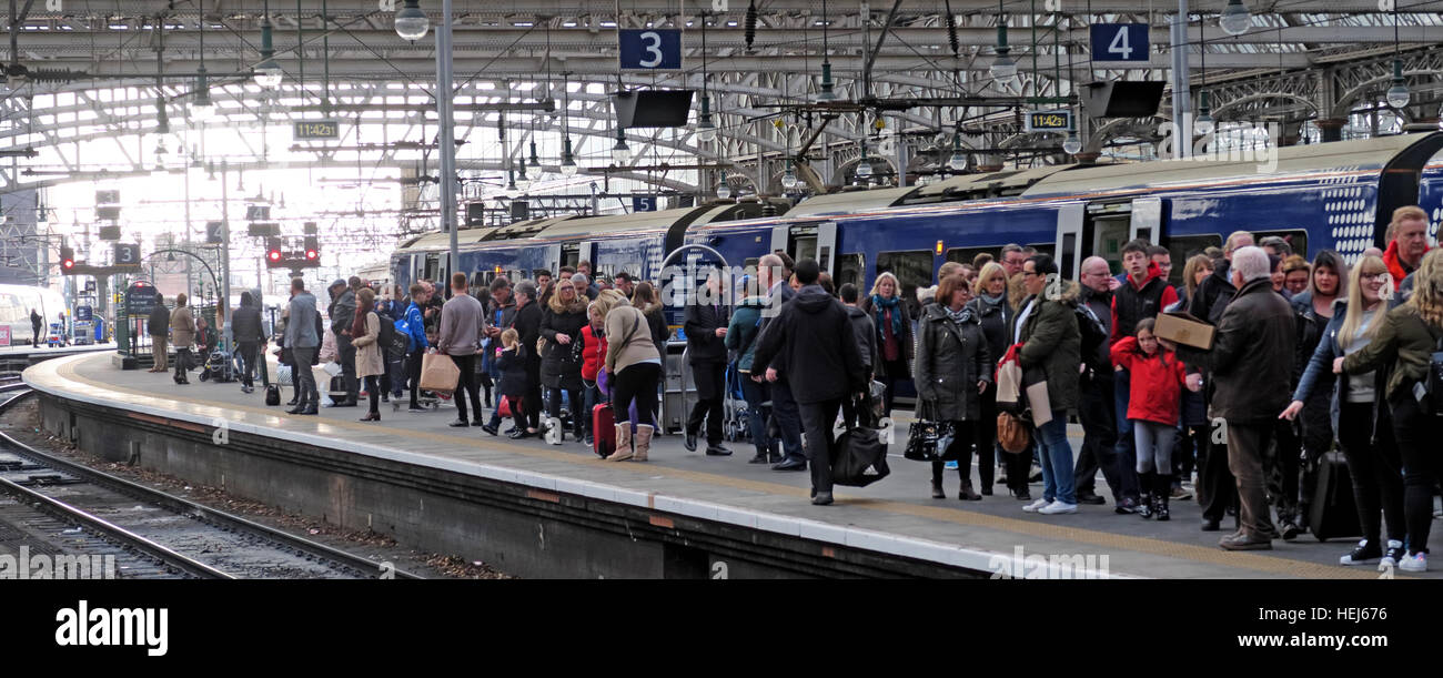 Congested Scotrail Abellio train carriages, Glasgow Central services Stock Photo