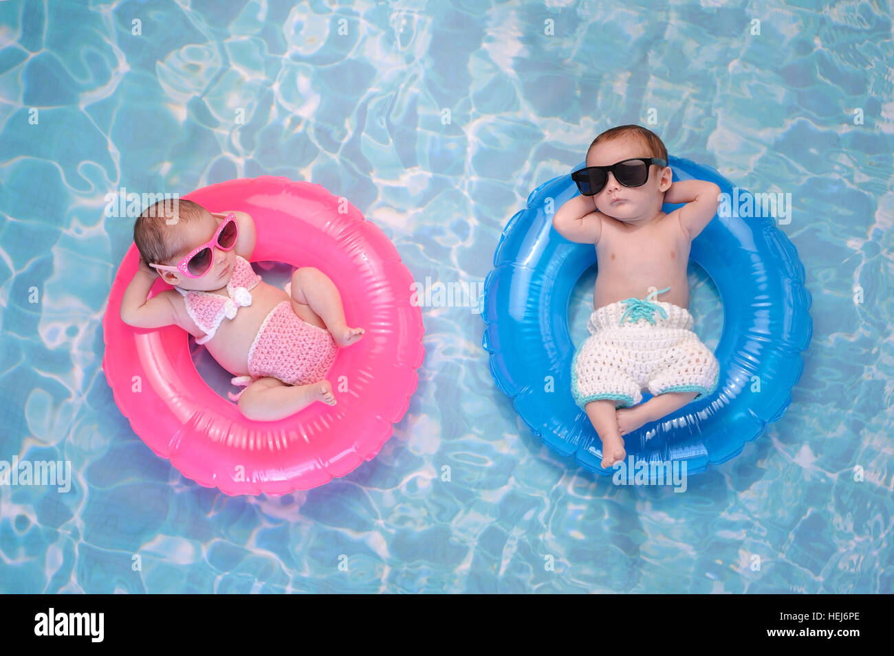 Fraternal Twins Stock Photos & Fraternal Twins Stock Images - Alamy