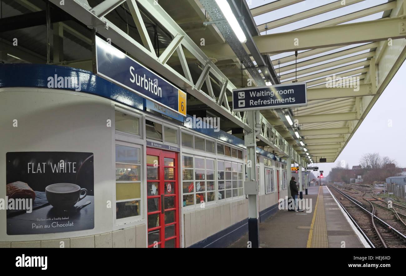 Surbiton Railway Station Waiting Room on Platform 3, Kingston,West London,England,UK - Stock Image