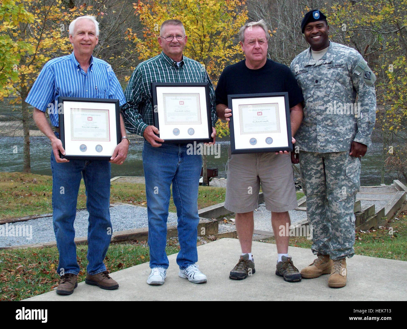 (Left to right) Harold Stamper, Randall Setters, and Lt. Col. Anthony P. Mitchell, U.S. ArmyCorps of Engineers Nashville - Stock Image