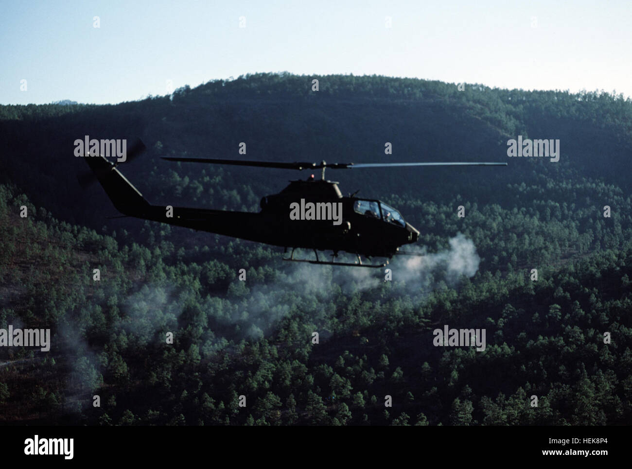 1:87 Bell UH-1C Huey Gunship Helicopter US Army 1st Air
