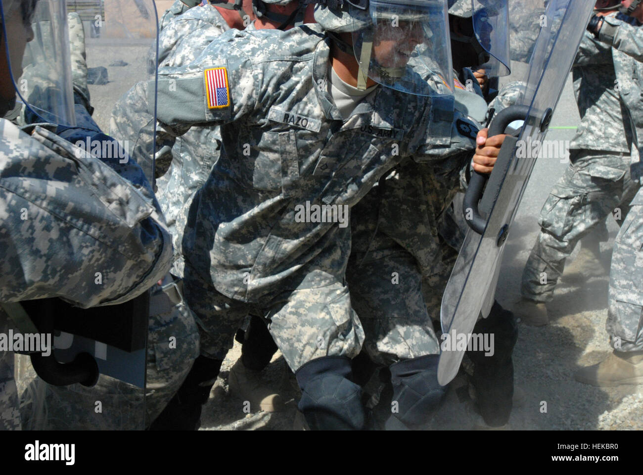 A member of the 40th Military Police Company, 185th Military Police Battalion, 49th  Military Police Brigade, scrums - Stock Image