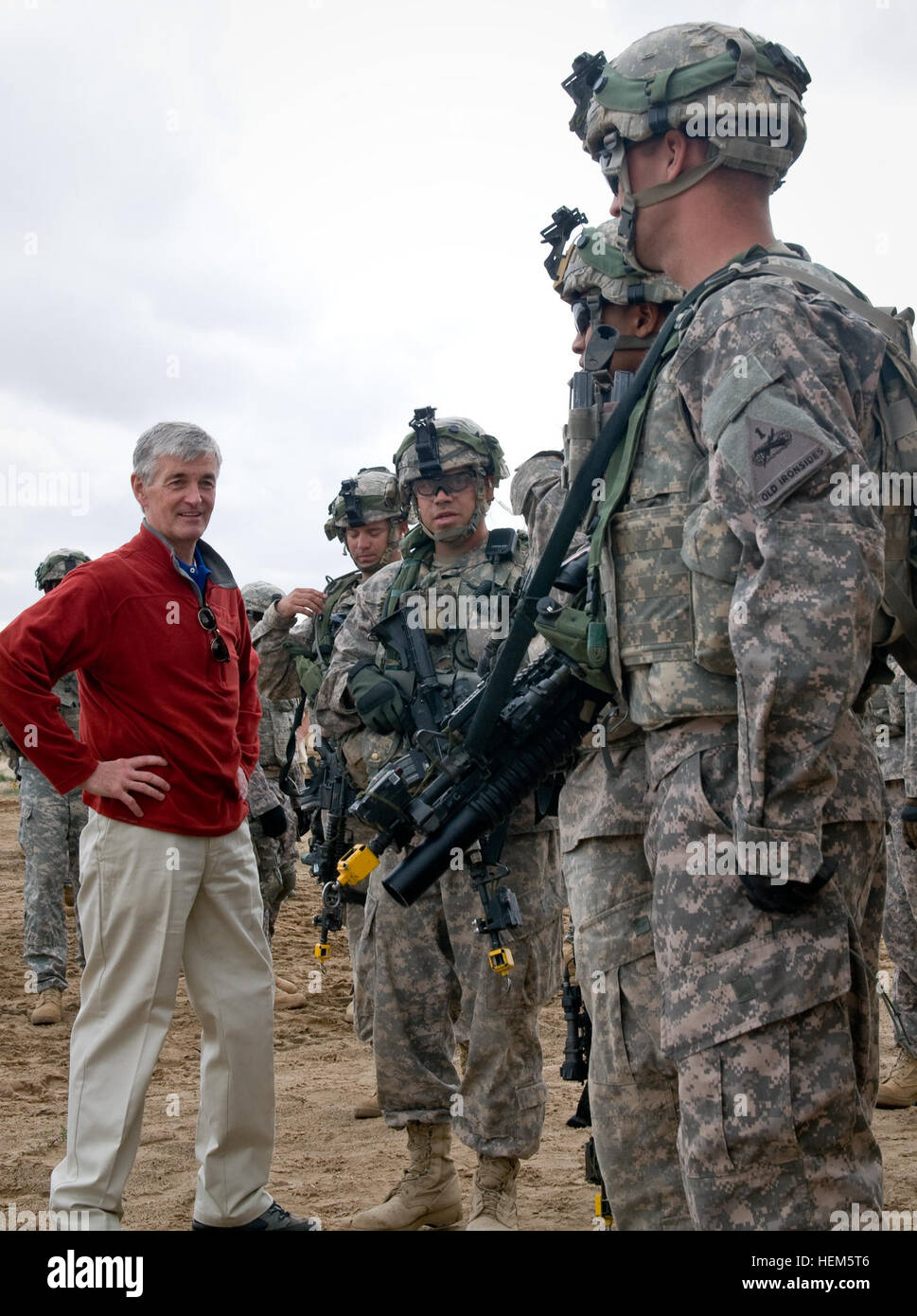 Secretary John McHugh, the 21st secretary of the Army, speaks with 2nd Heavy Brigade Combat Team, 1st Armored Division, Stock Photo