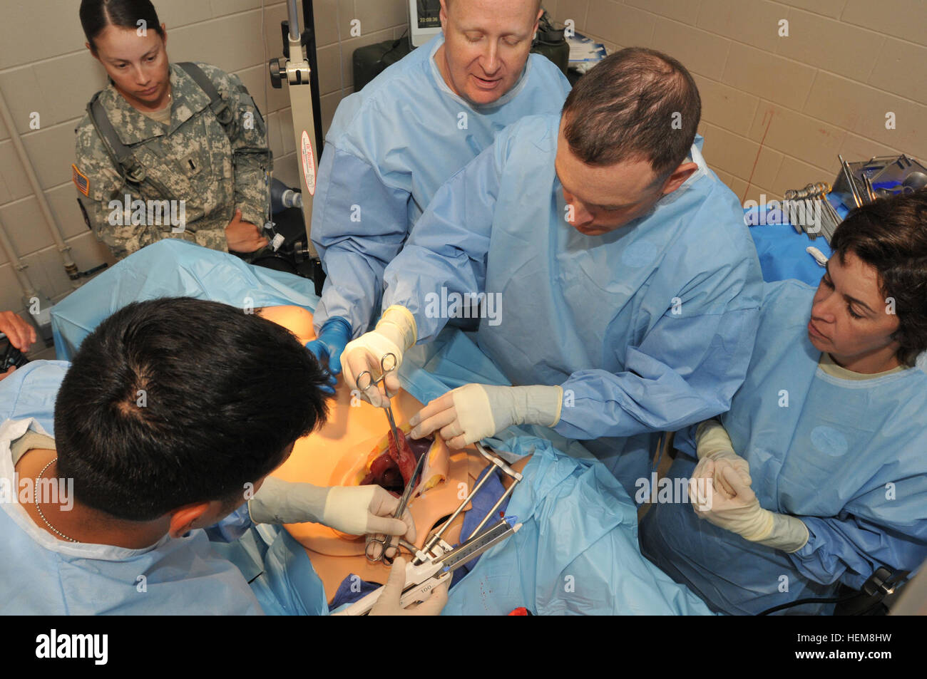Camp Atterbury, Ind. - Maj Kelly Blair (top center), commander of the 250th Forward Surgical Team, 62nd Medical - Stock Image