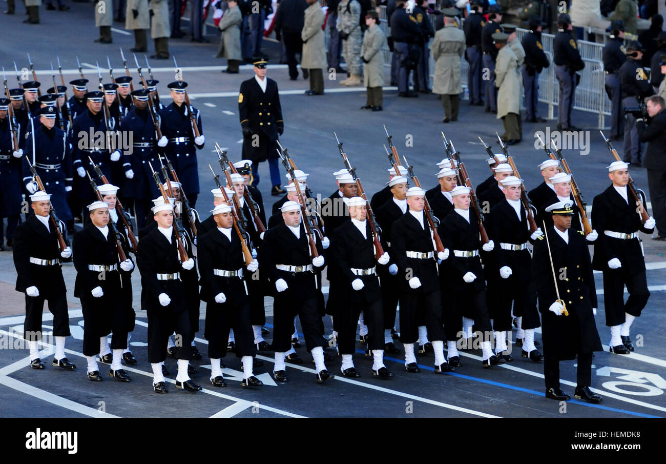 Us Sailors With The Us Navy Ceremonial Guard March In The - Us-navy-ceremonial-guard