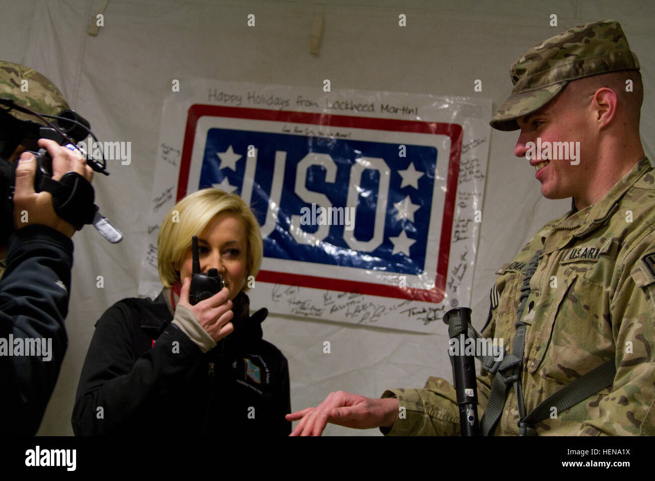 Country Music Singer Kellie Pickler Sends A Special Holiday