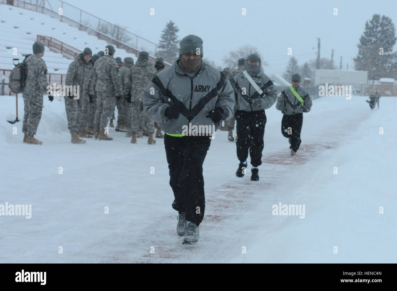 Soldiers of the Army Reserve Medical Command participate in the 2-mile run as part of the Army Physical Fitness - Stock Image