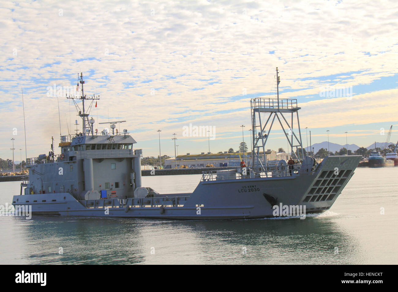 U S Army Vessel Monterrey Lcu 2030 With Soldiers From The 481st Stock Photo Alamy