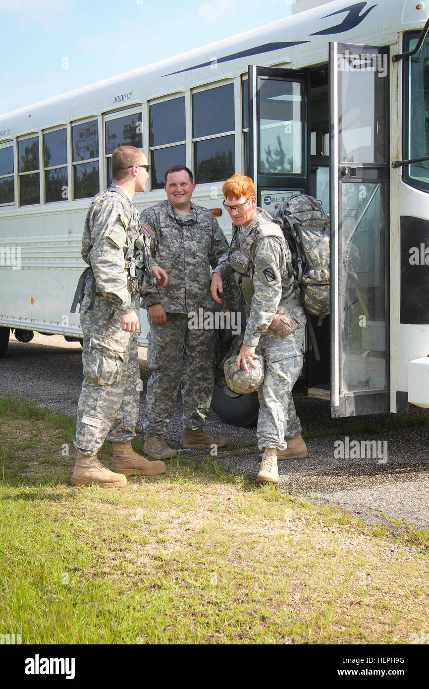 Soldiers of the 155th Headquarters Headquarters Company travel back home to Tupelo, Miss., on CH 47 Chinooks July - Stock Image
