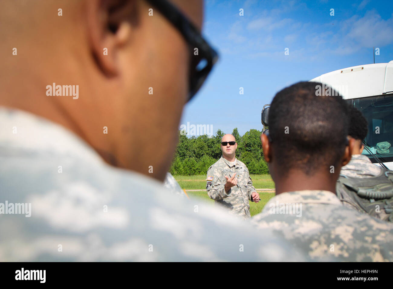 Soldiers of the 155th Headquarters Headquarters Company travel back home to Tupelo, Miss. on CH 47 Chinooks July - Stock Image