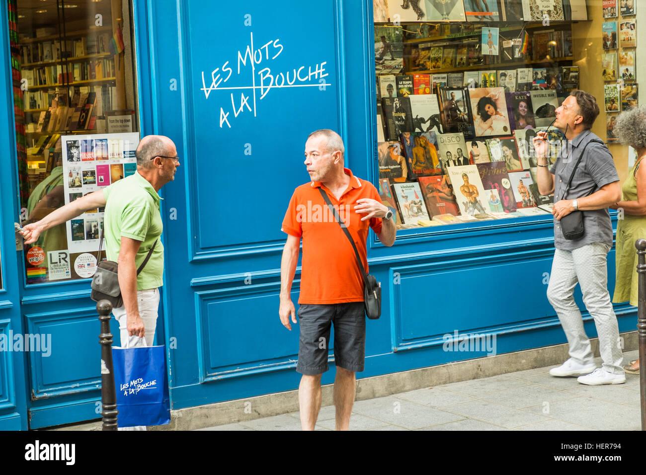street scene in front of les mots a la bouche gay bookstore - Stock Image