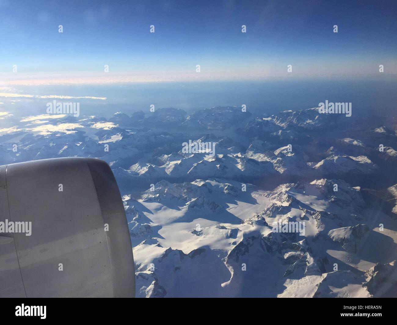 Blick Flugzeugfenster Stock Photos & Blick Flugzeugfenster Stock ...