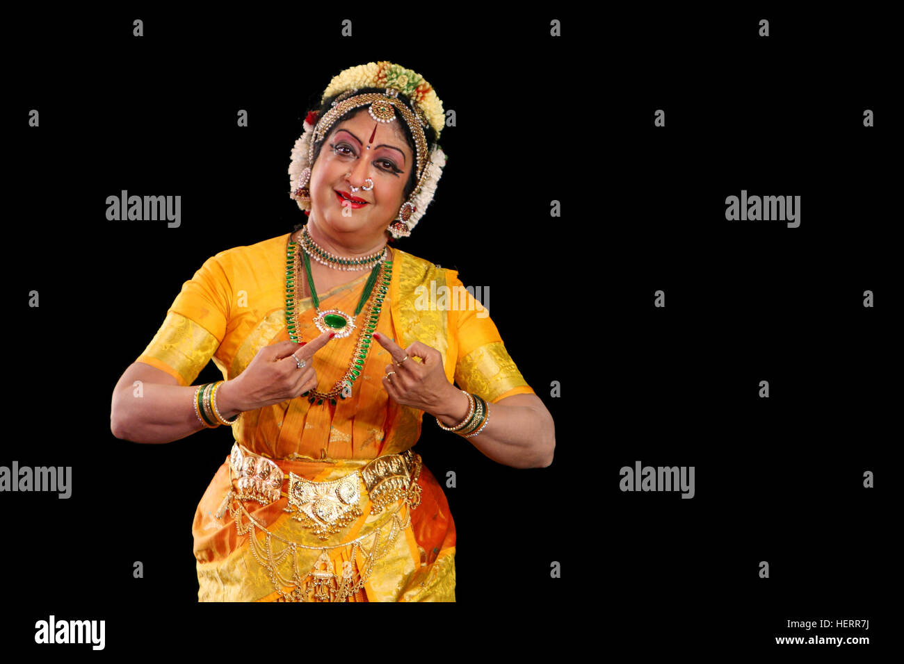 Bharatanatyam Dance Dress High Resolution Stock Photography And Images Alamy