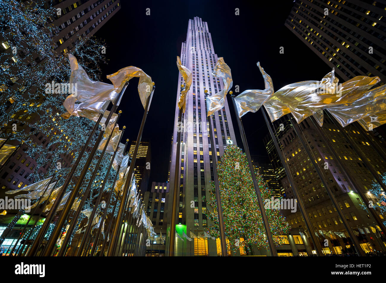 NEW YORK CITY - DECEMBER 23, 2016: Christmas lights decorate the city for the holiday season. - Stock Image