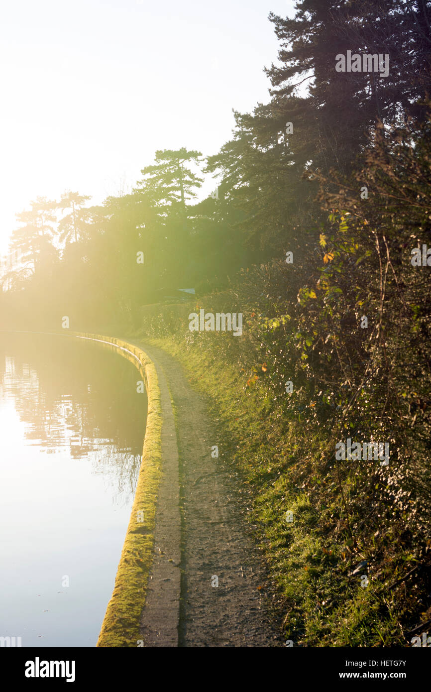 Grand Union Canal towpath in winter, Warwick, UK - Stock Image