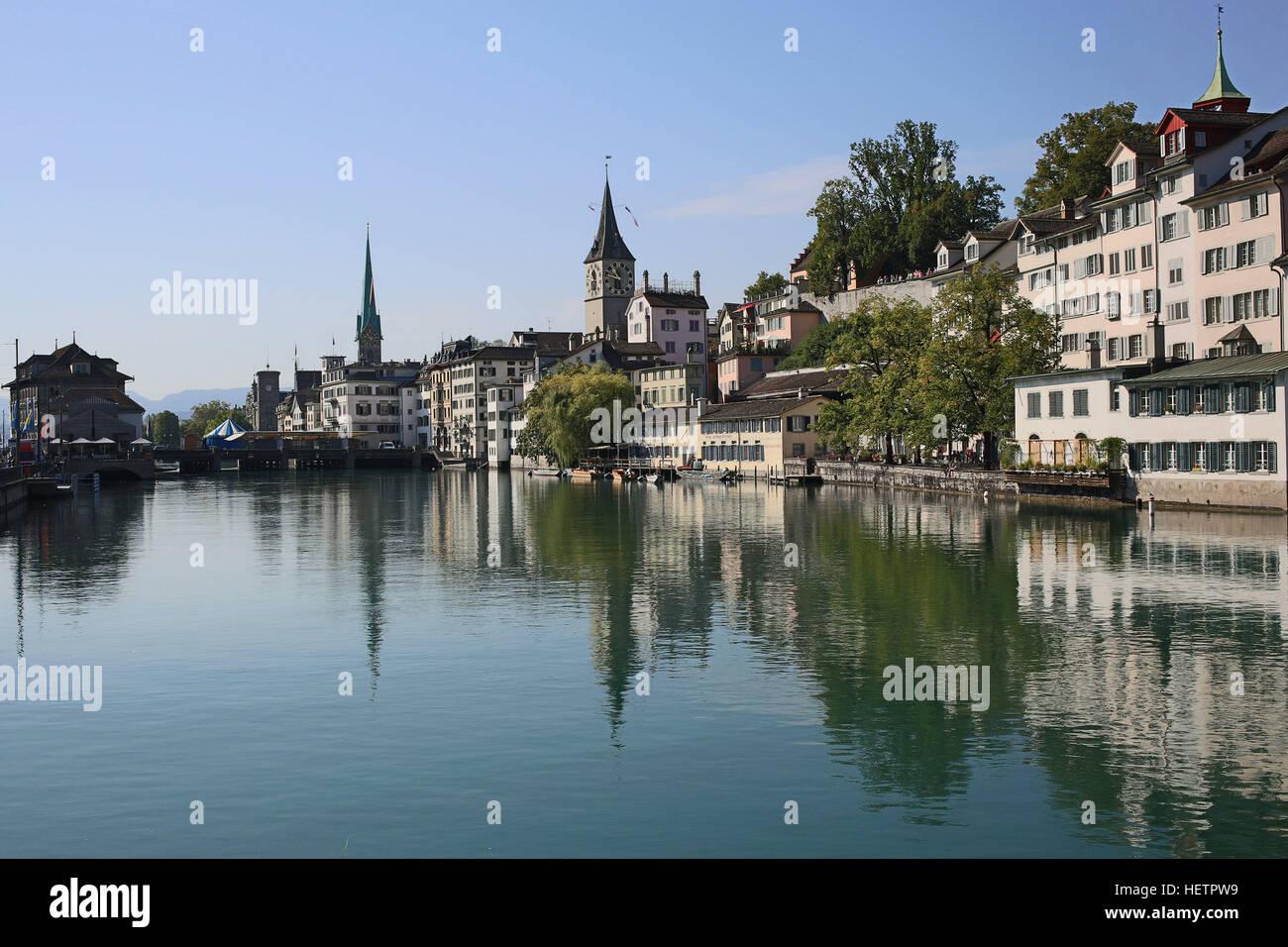 Zurich: embankment of Limmat - Stock Image