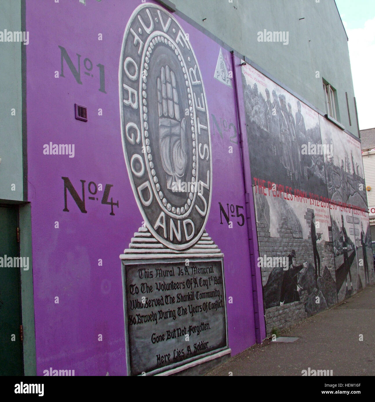 Shankill Road Mural -Lamh Dearg Abu, Ulster To Victory, West Belfast, Northern Ireland, UK - Stock Image