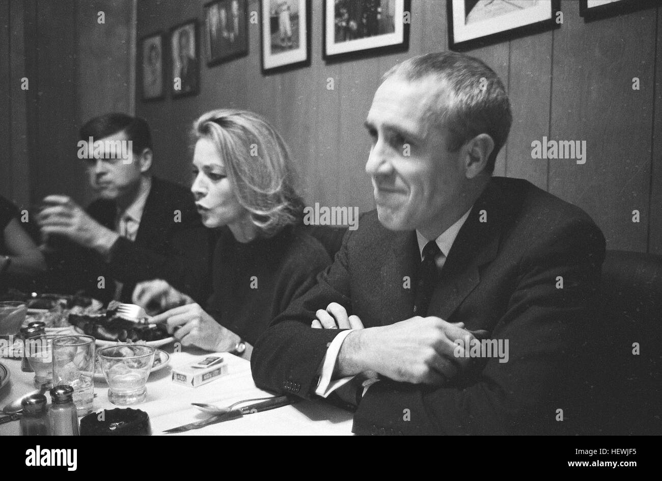 Lauren Bacall, dining with husband Jason Robards, and Barry Nelson. At the time, she was appearing on Broadway in - Stock Image