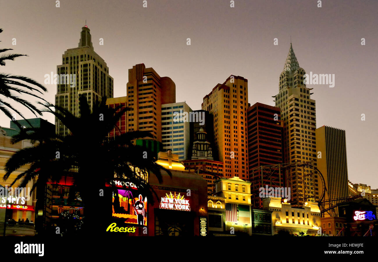 Set between The Monte Carlo and Excaliber, this Big Apple-themed casino hotel on the Strip features several towers - Stock Image