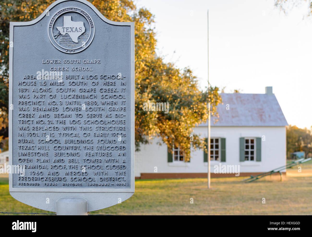 Historic marker for Lower South Grape Creek School, Fredericksburg, Texas, USA - Stock Image