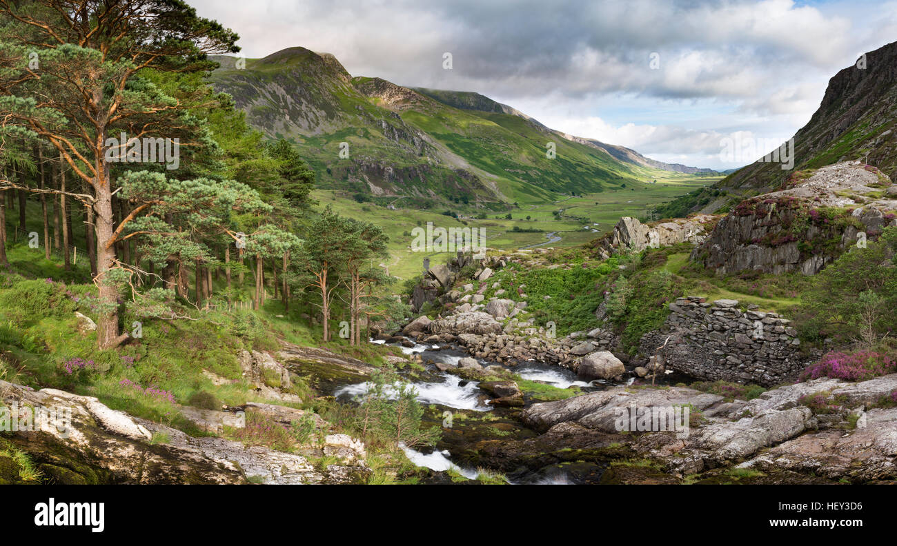 A waterfall along Nant Ogwen at pont pen-y-benglog flows the Ogwen Valley, Snowdonia. Stock Photo