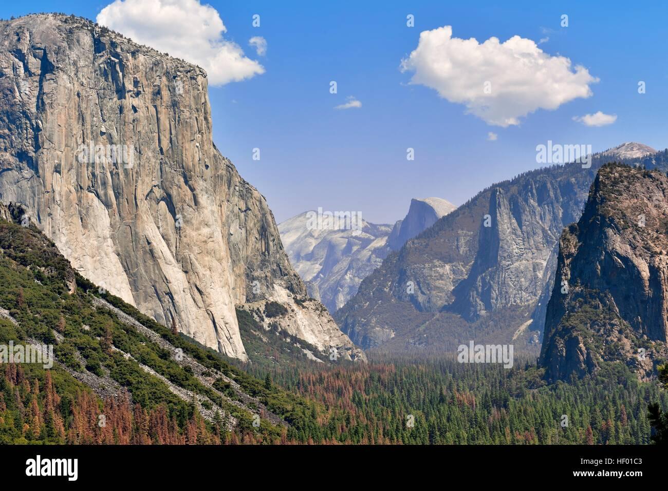 View of the Yosemite Valley, granite cliffs, El Capitan, Half Dome,  mountains, Yosemite National Park, California, USA